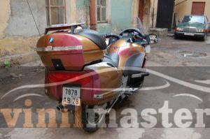 Оклейка мотоцикла защитной пленкой Хамелеон 1