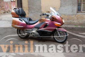 Оклейка мотоцикла защитной пленкой Хамелеон 3