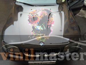 Оклейка капота BMW