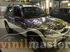 Брендирование Chevrolet Niva вид справа