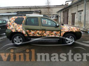 Оклейка Renault Duster вид сбоку
