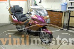 Оклейка мотоцикла защитной пленкой Хамелеон 6