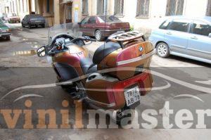 Оклейка мотоцикла защитной пленкой Хамелеон 13