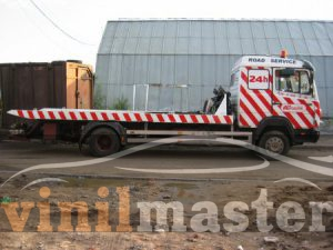 Оклейка пленкой эвакуаторов для компании А 24 Mersedes боковина